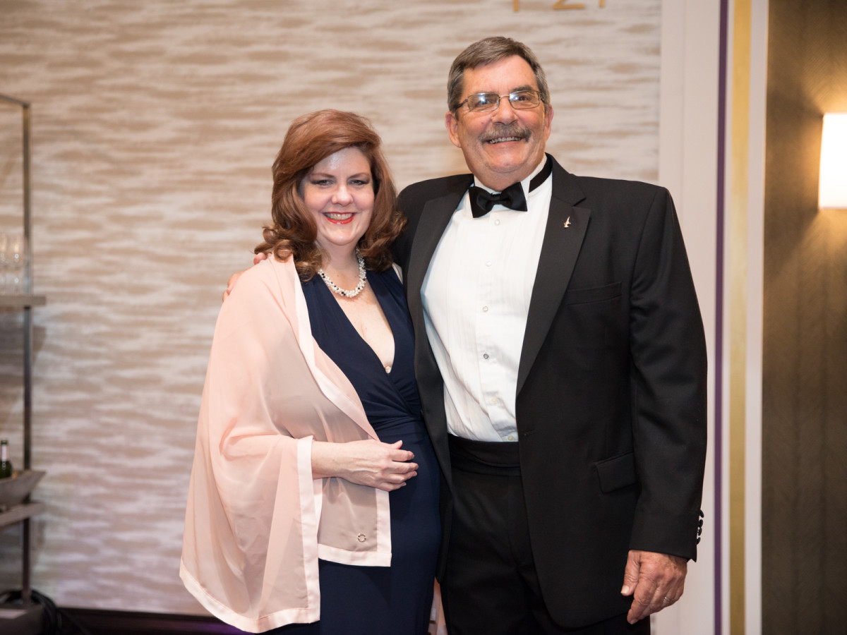 Carolyn Rhodes, Greg Hufstetler