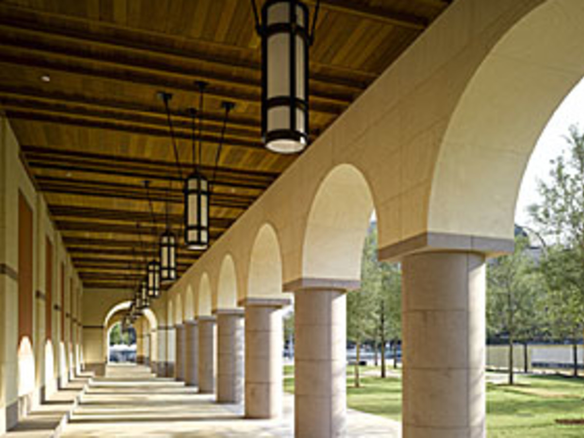 Austin Photo: Places_Arts_Blanton_Museum_Exterior_Arches