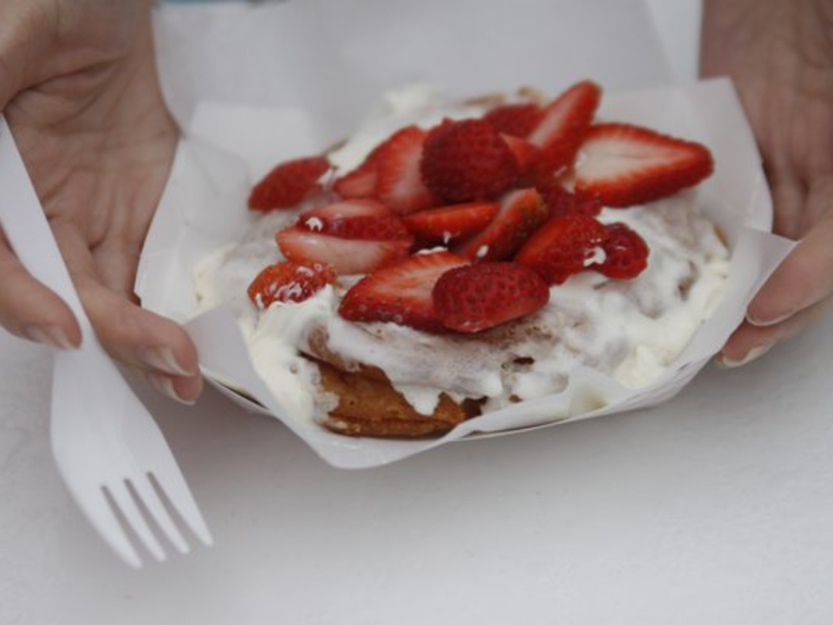 Austin Photo: Places_Food_gourdough's_strawberry_shortcake