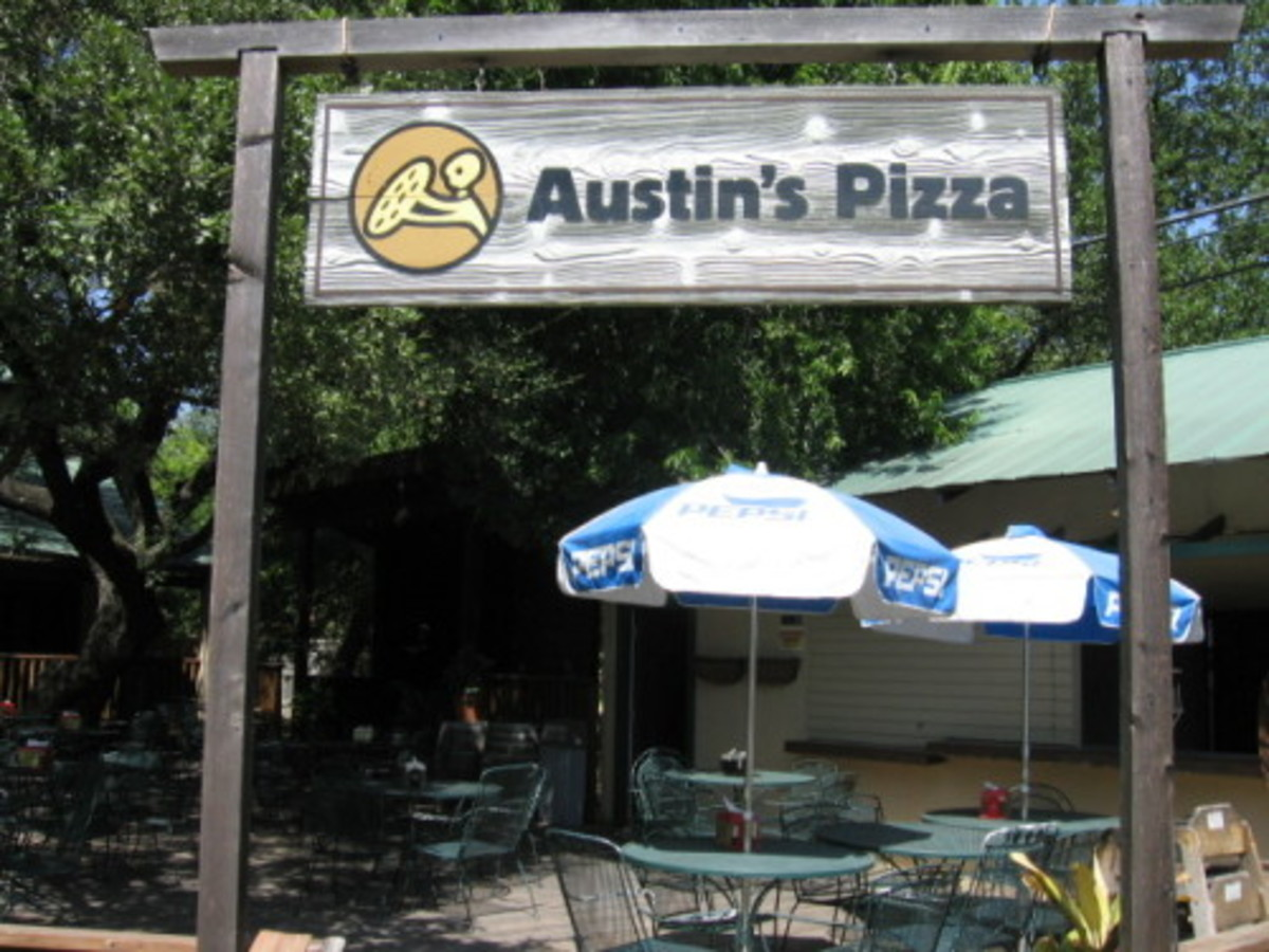 Austin_photo: places_food_austinspizza_beecave_sign