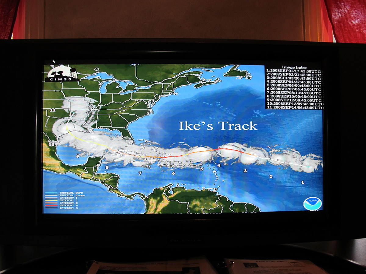 News_Katie_Weather Museum_Ike's Track