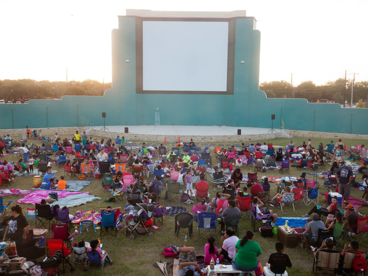 Mission Marquee Plaza outdoor movies