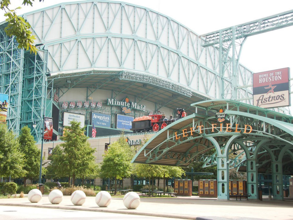 Places-A&E-Minute Maid Park-baseballs out front