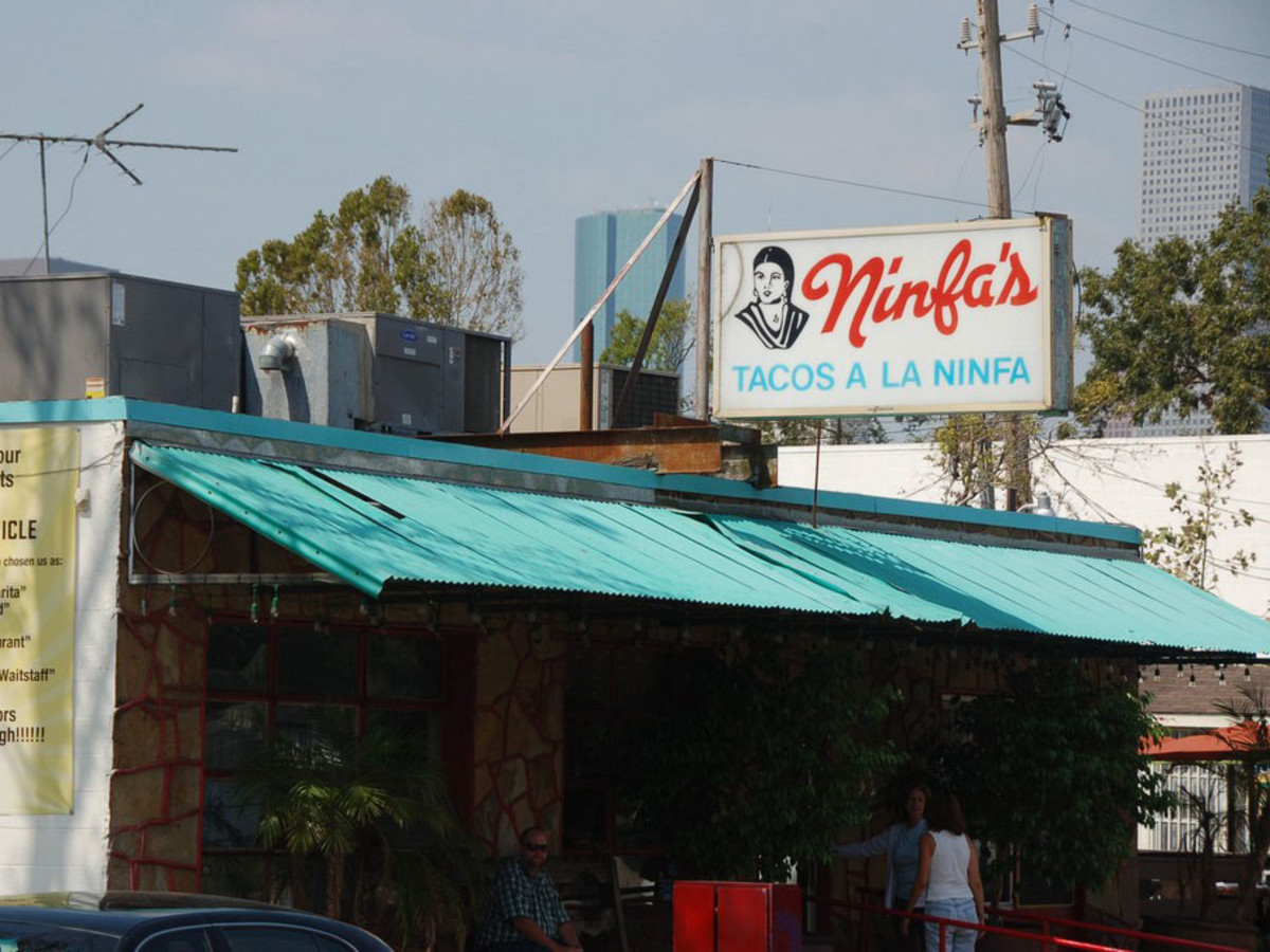 Places-Eat-Ninfa's on Navigation-exterior-1