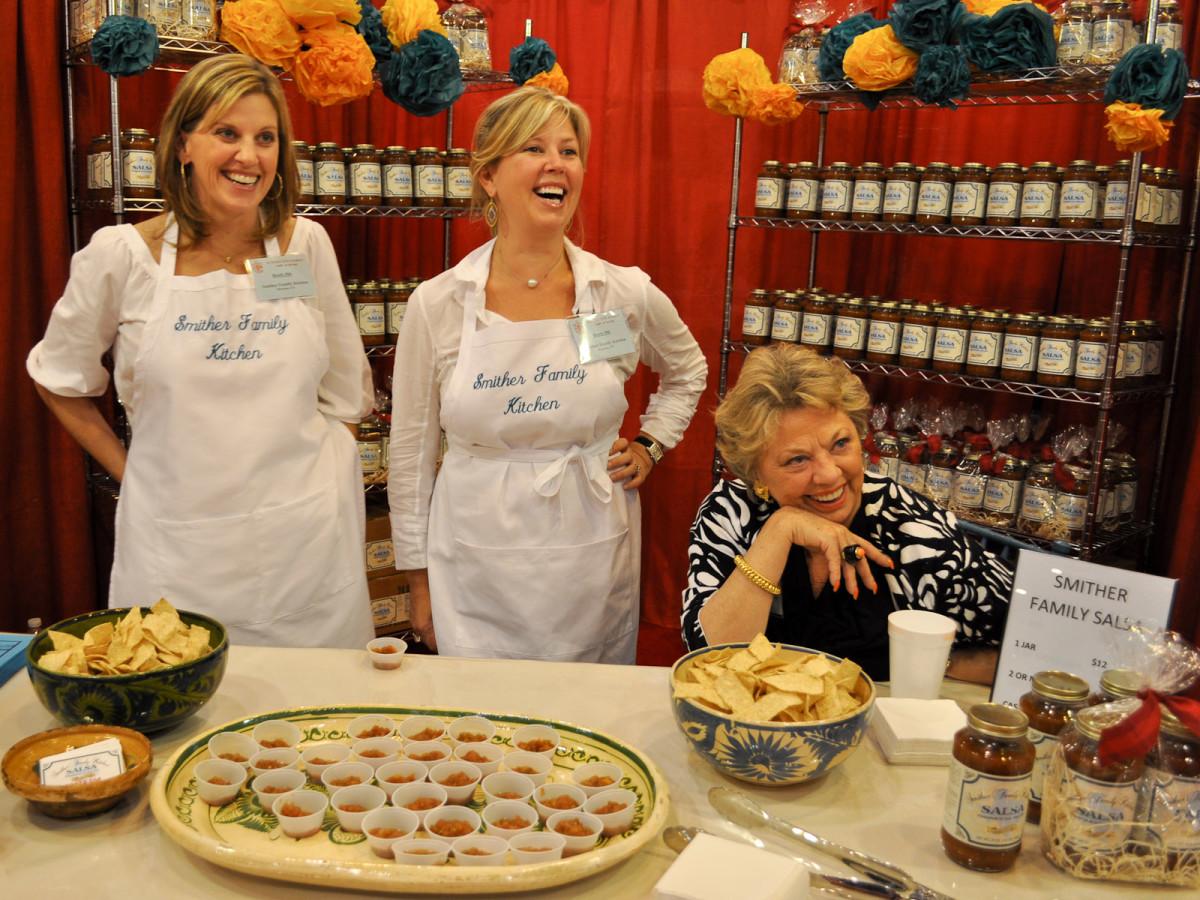 News_Nutcracker Marketplace 2009_Ashley Langley_Paige Johnson_Stephanie Smither