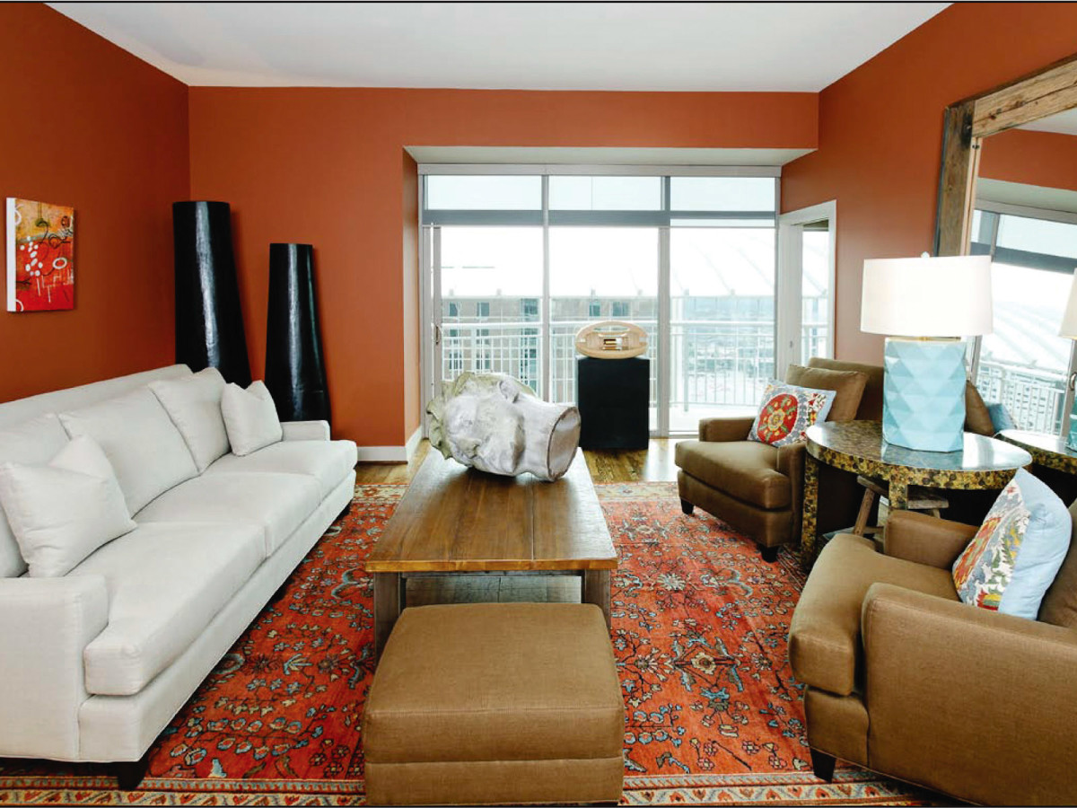 News_Redesigning Downtown_Michael Stribling_living room_March 2010