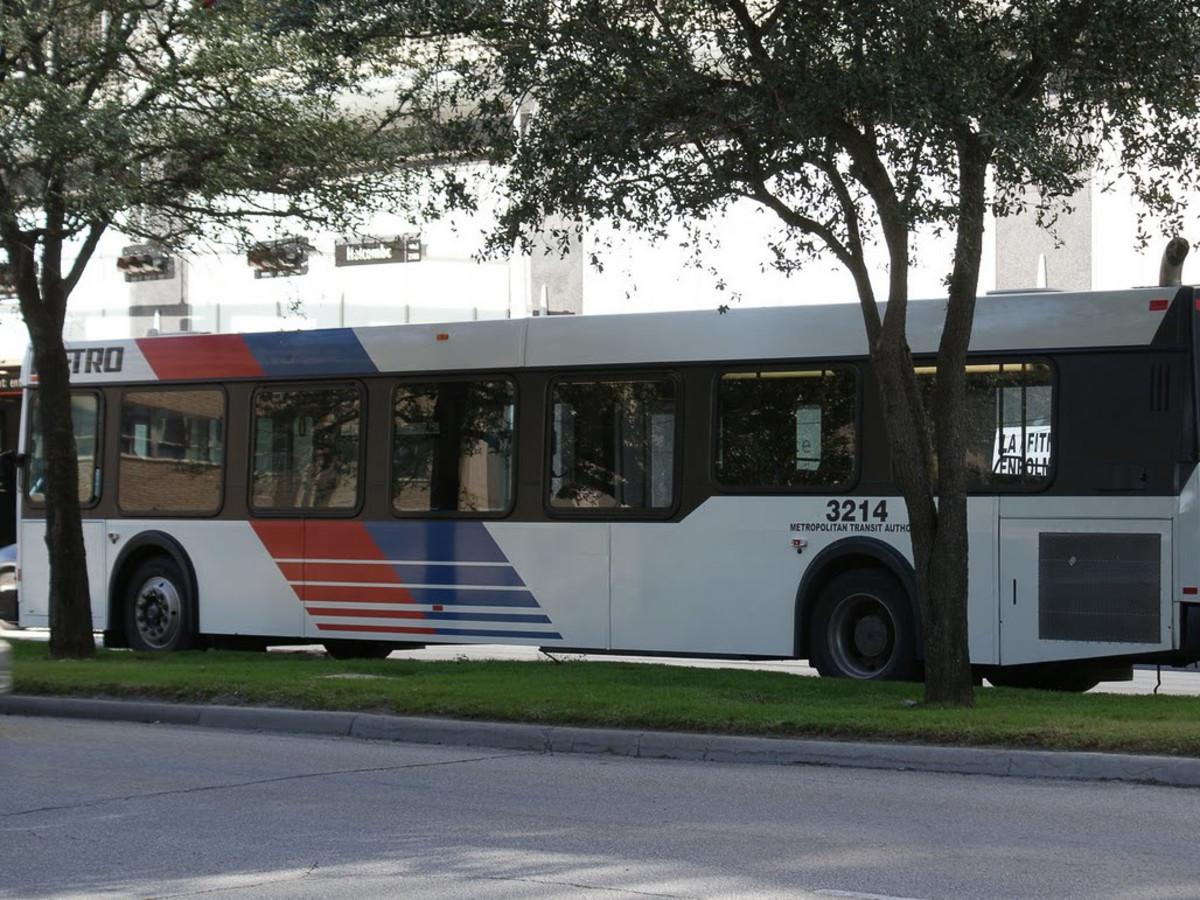 Places_Metro_stop_bus_generic