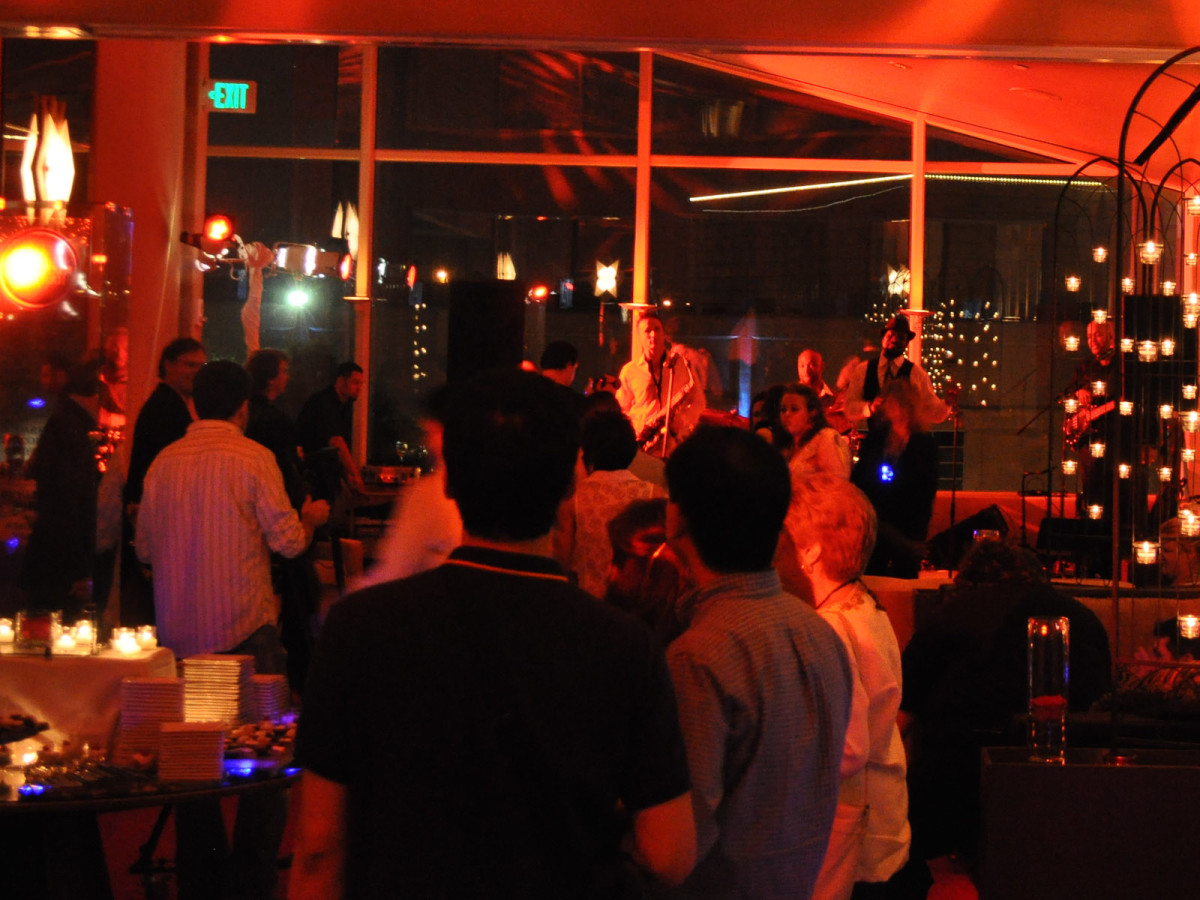 News_Biz Confab Party_party scene