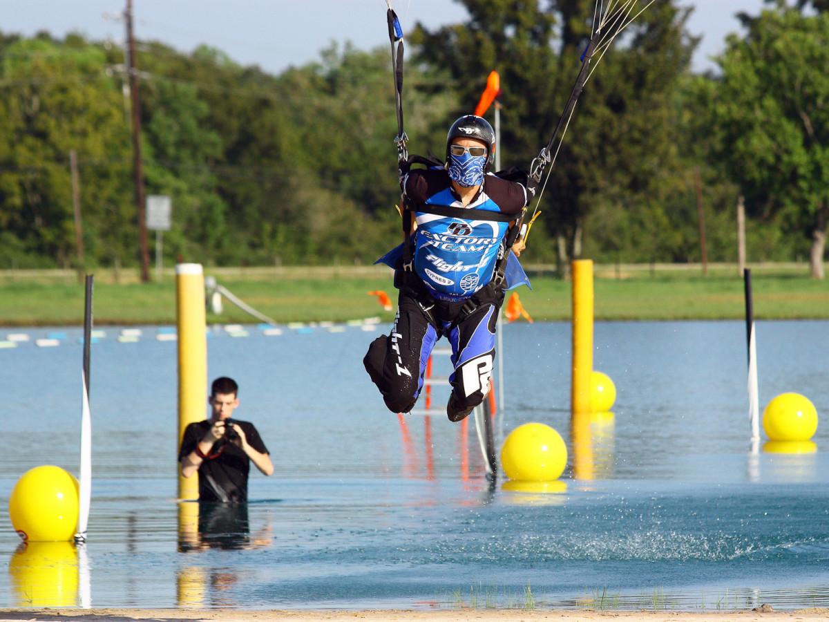 News_skydiving_Jonathan Tagle