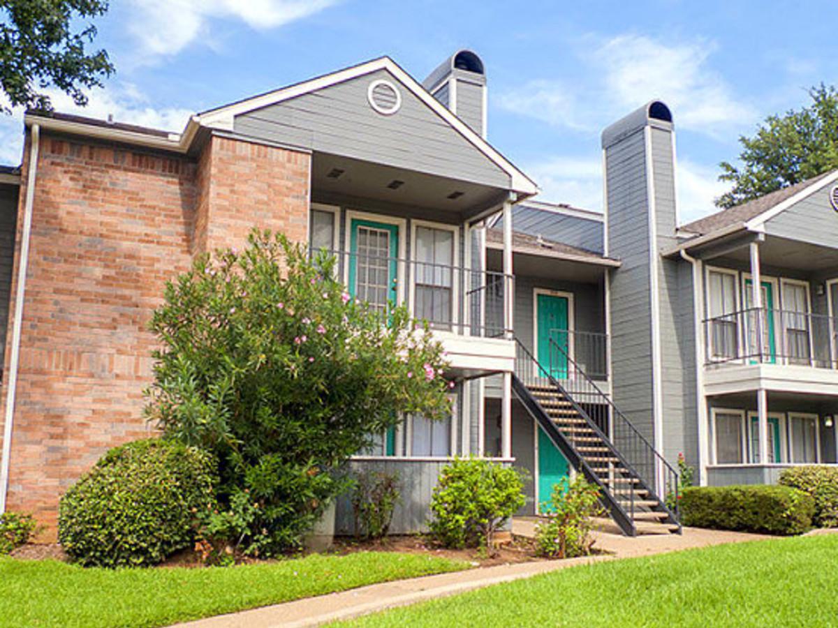 Venue at 8651 Fort Worth apartment