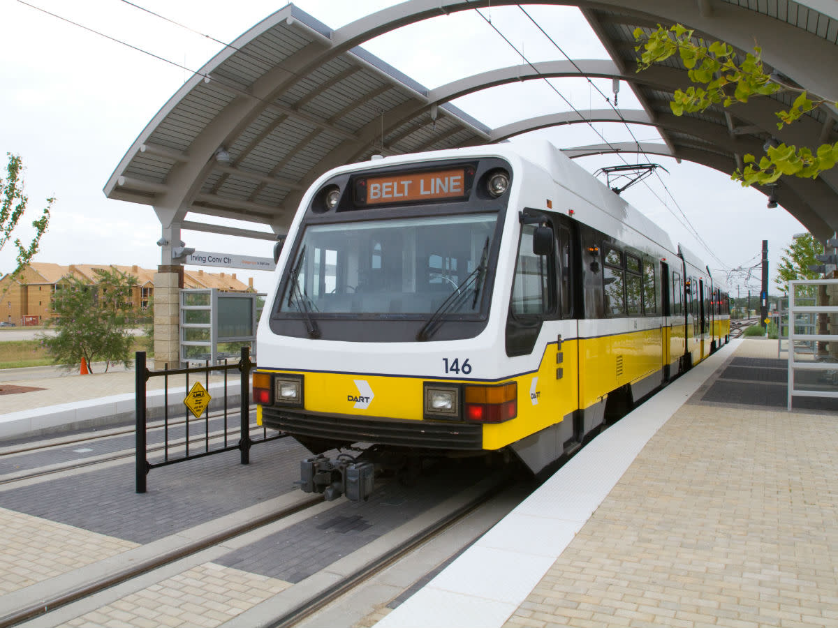 DART Irving Convention Center, rail, train