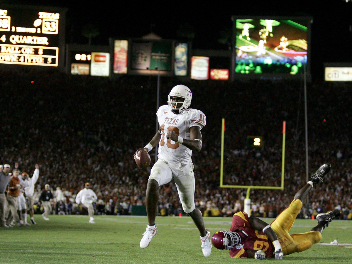 Vince Young scoring winning touchdown in 2006 National Championship Game