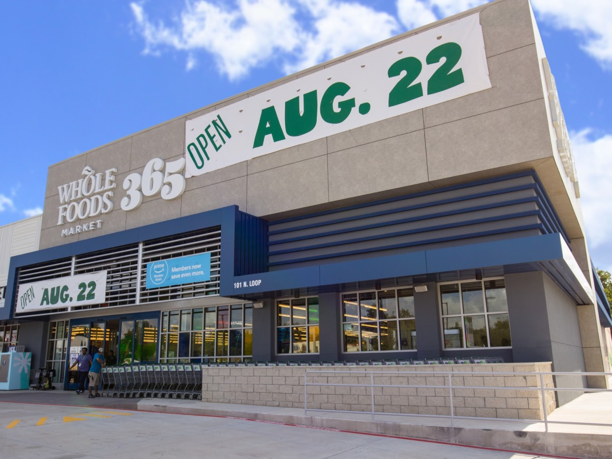 Whole Foods 365 Heights exterior