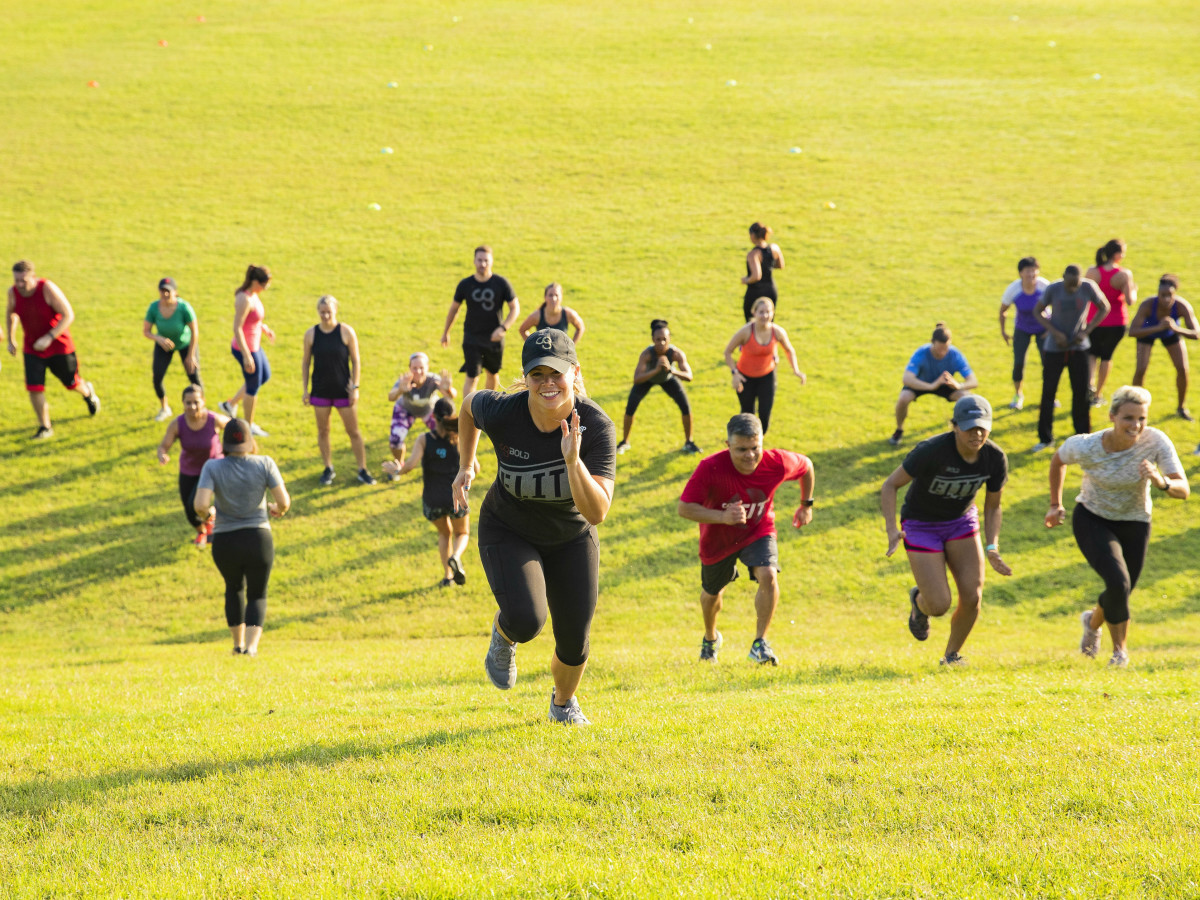 Camp Gladiator runners hill park exercise
