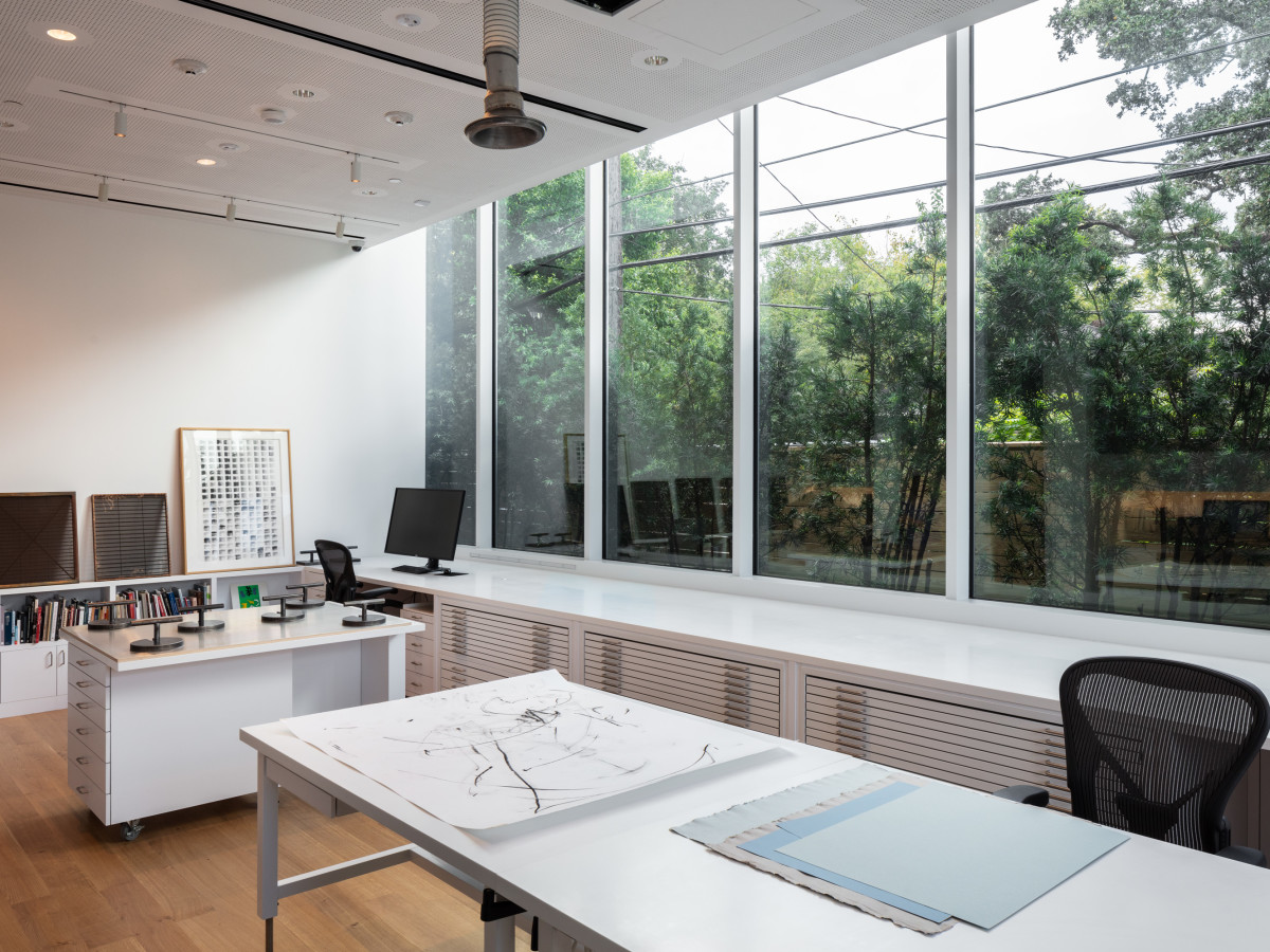 Menil Drawing Institute, conservatory lab