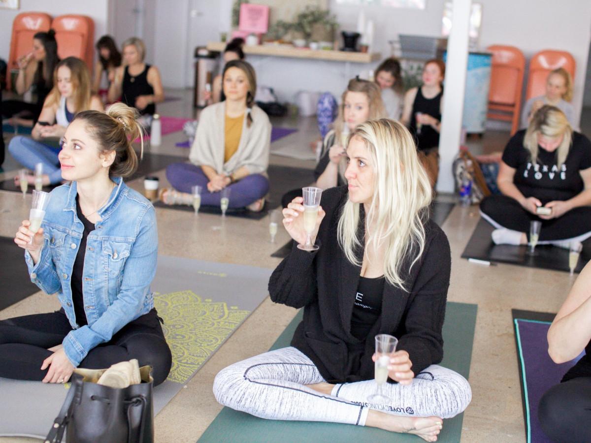 The Refinery women yoga champagne