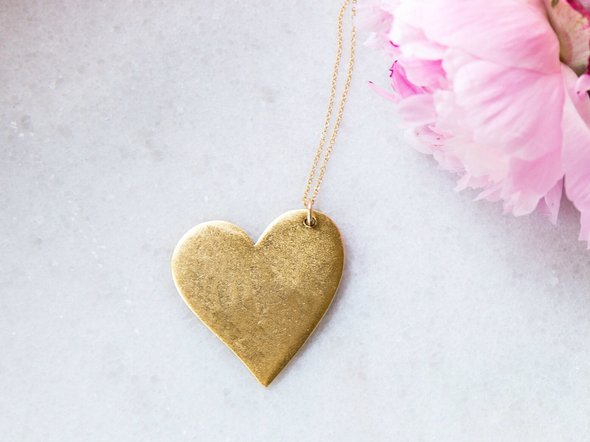 Golden Thread gold heart necklace