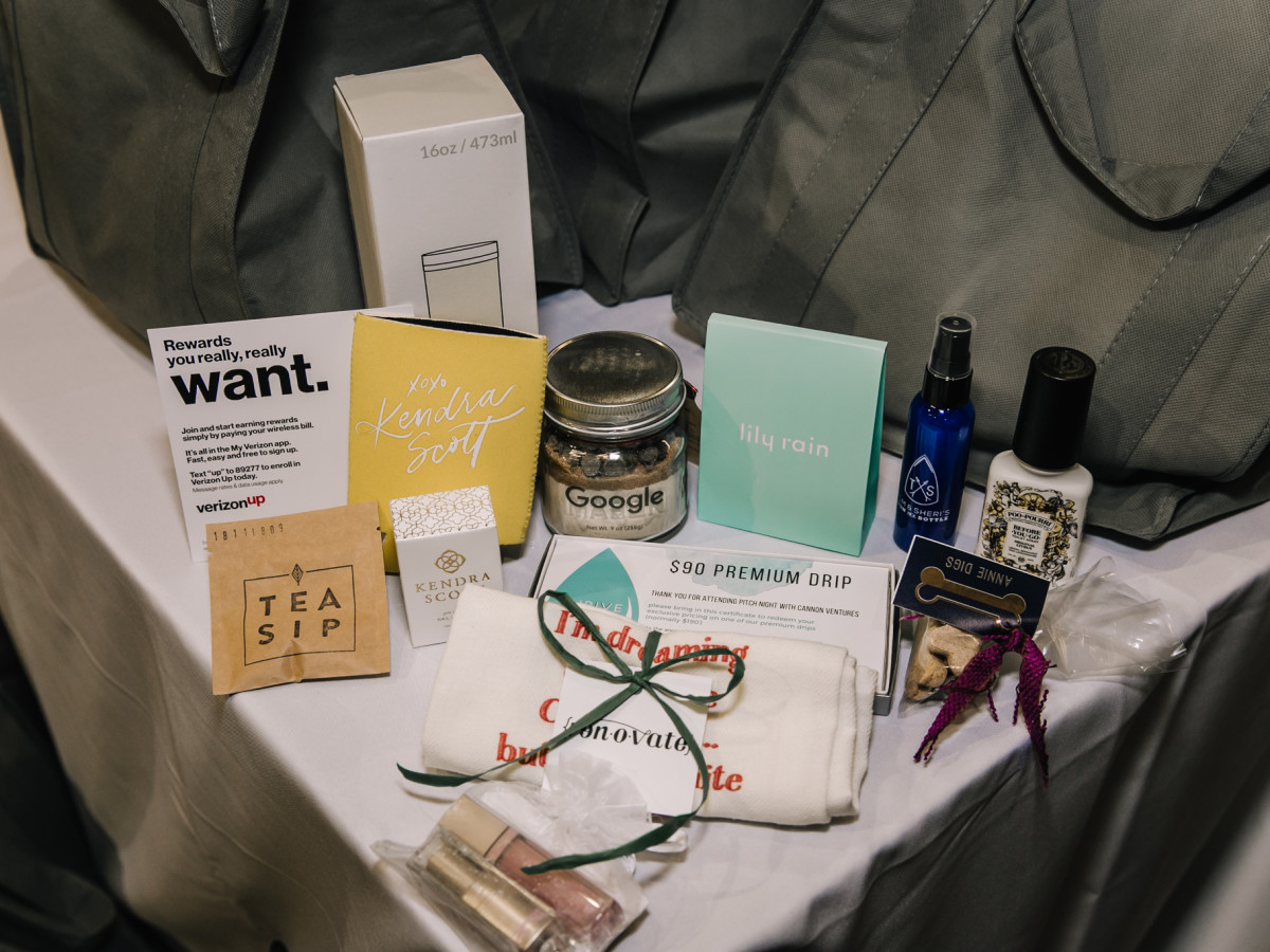 Houston Pop-Up Shop Verizon gift bags
