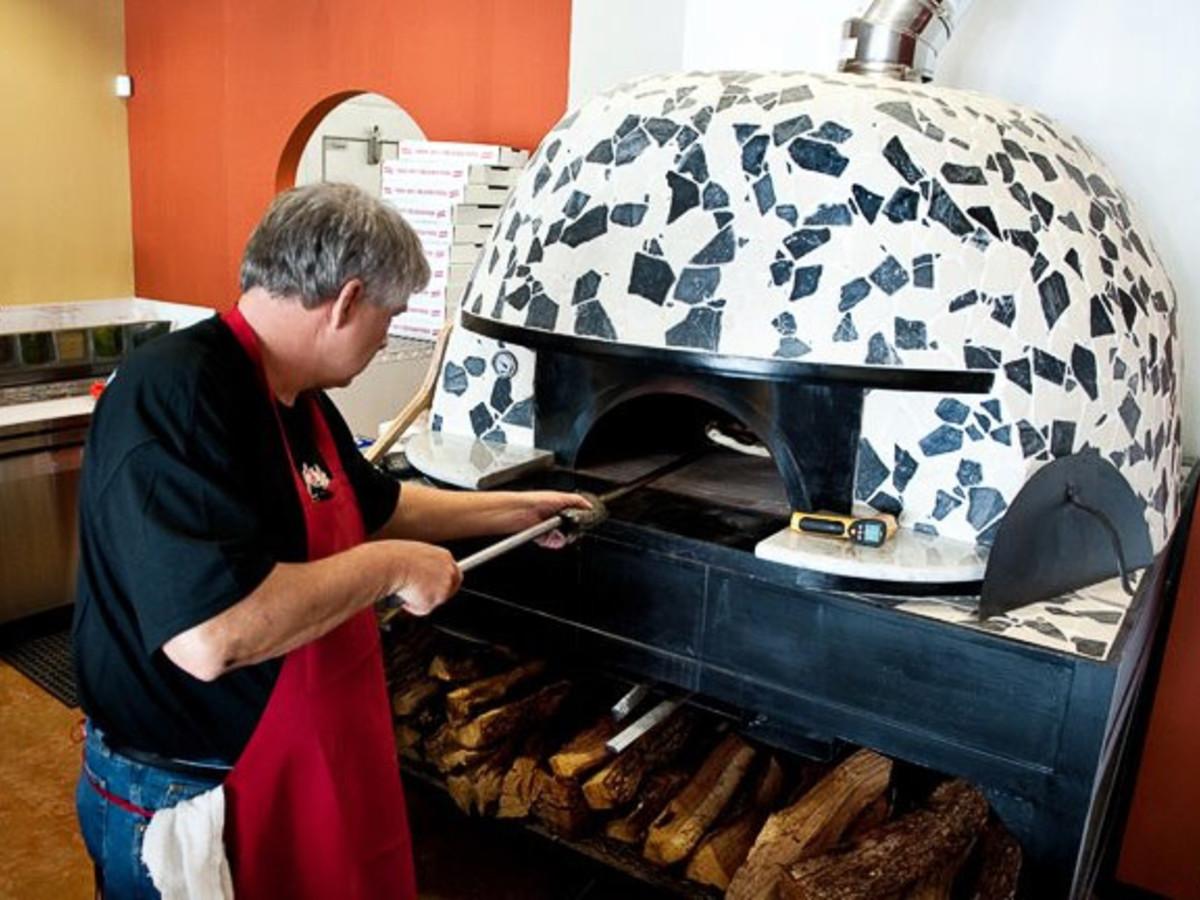 News_Pizaro's Pizza_pizza_pizza oven