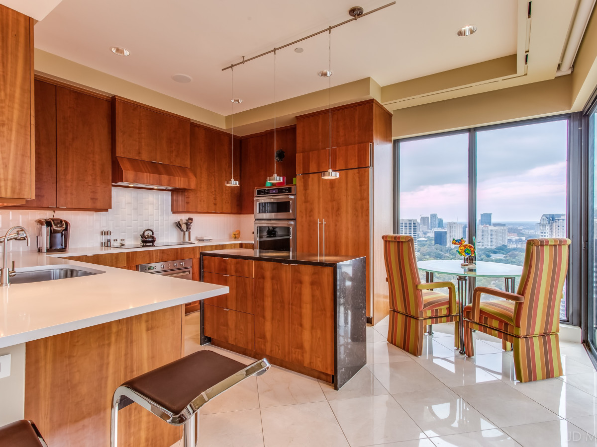 24th floor of The Warrington at 3831 Turtle Creek Blvd., Turtle Creek Home Tour
