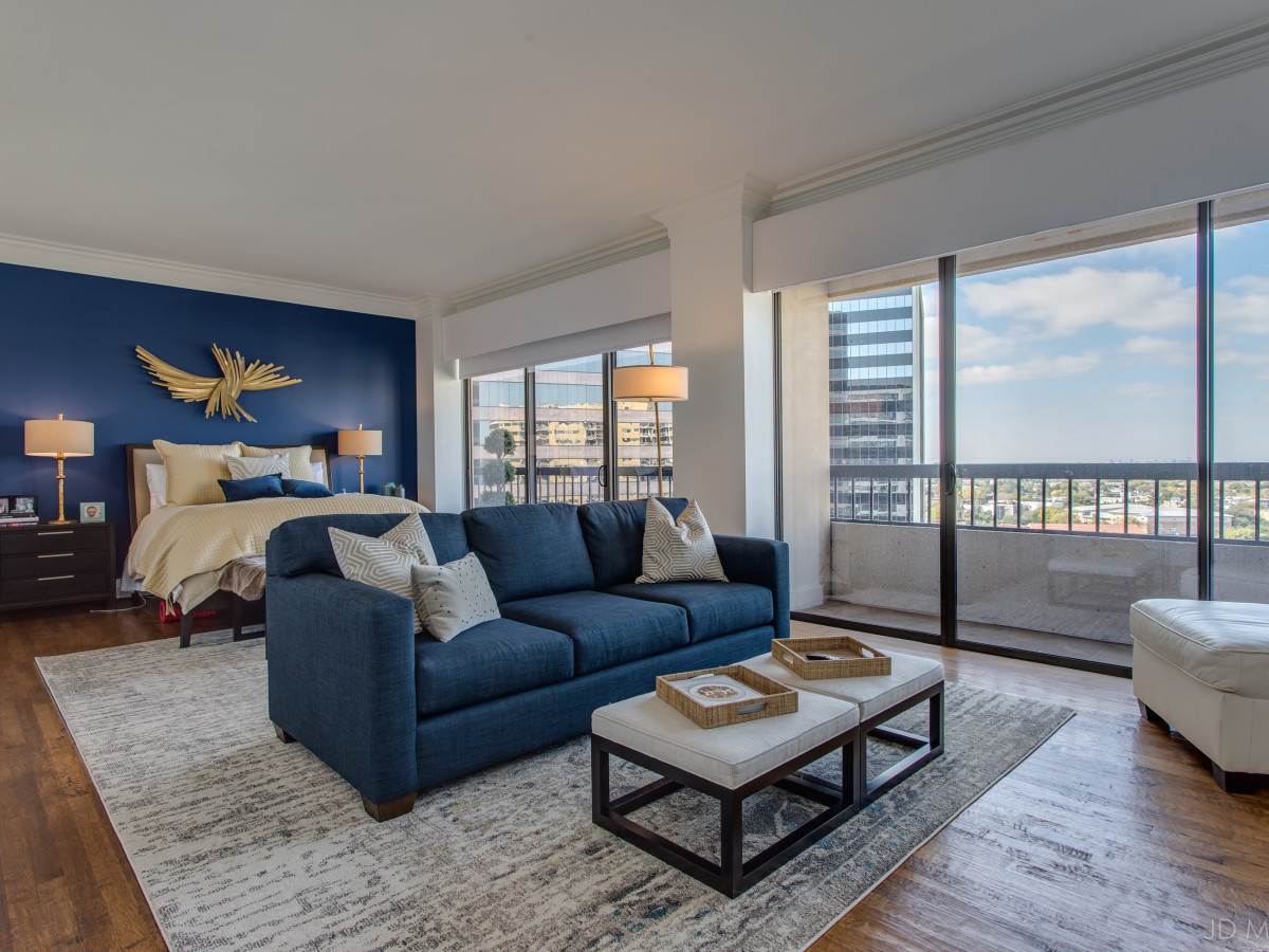 17th floor of The Warrington at 3831 Turtle Creek Blvd., Turtle Creek Home Tour