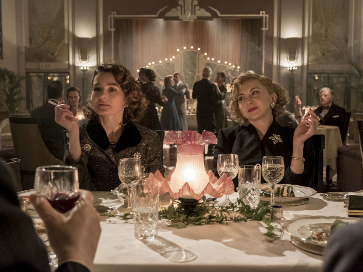 Shirley Henderson and Nina Arianda in Stan & Ollie