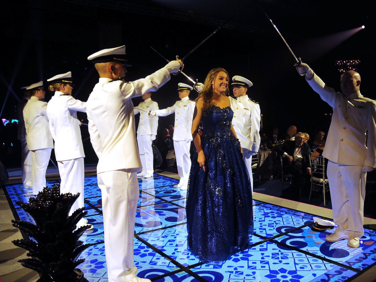 Duchess Maddi Walser Mardi Gras San Luis gala 2019