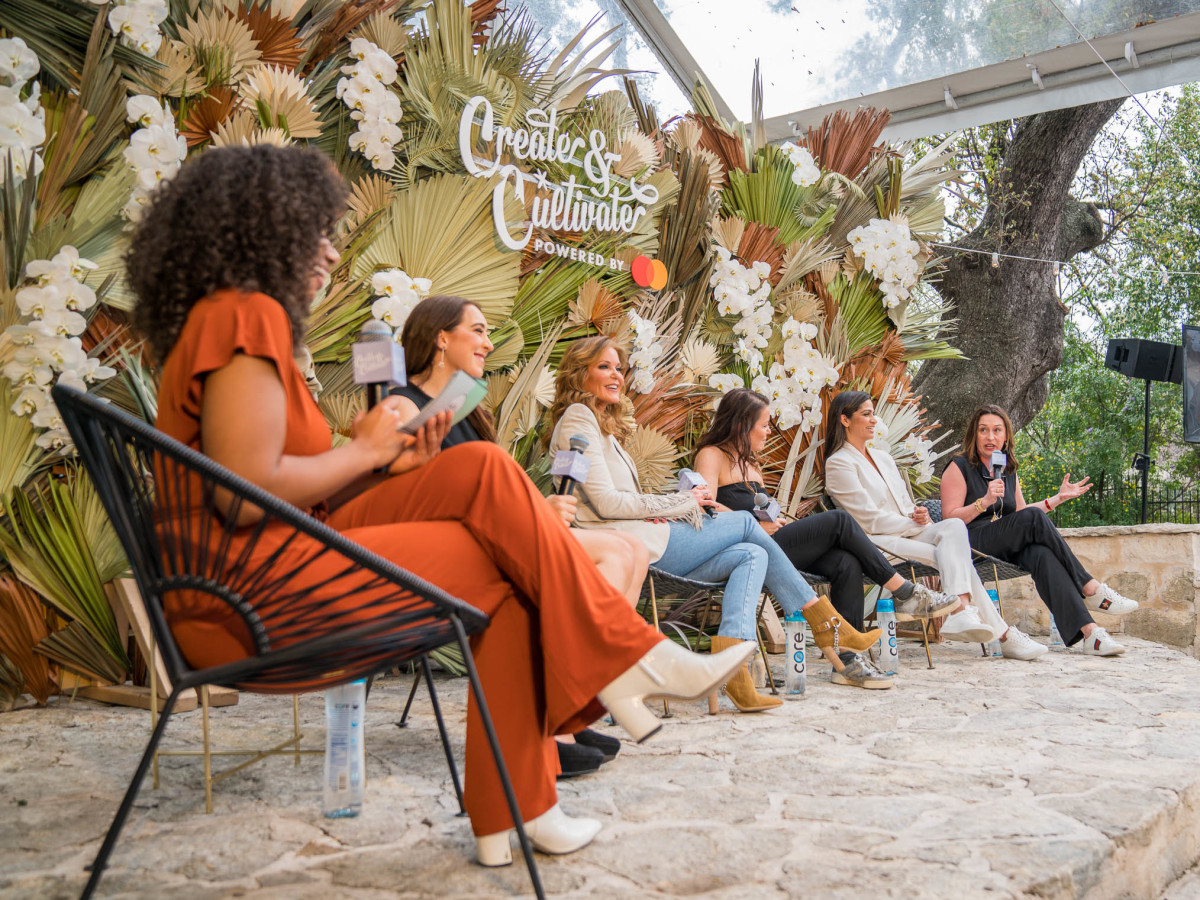 Create and Cultivate Austin SXSW 2019 at the Allan House Lestraundra Alfred Paige Adams-Geller, Camila Alves, Julie Smolyansky Samantha Fishbein Sophie Kelly