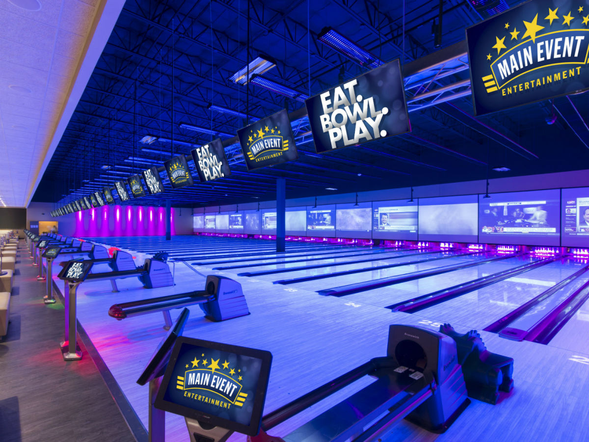 Bowling lanes at Main Event