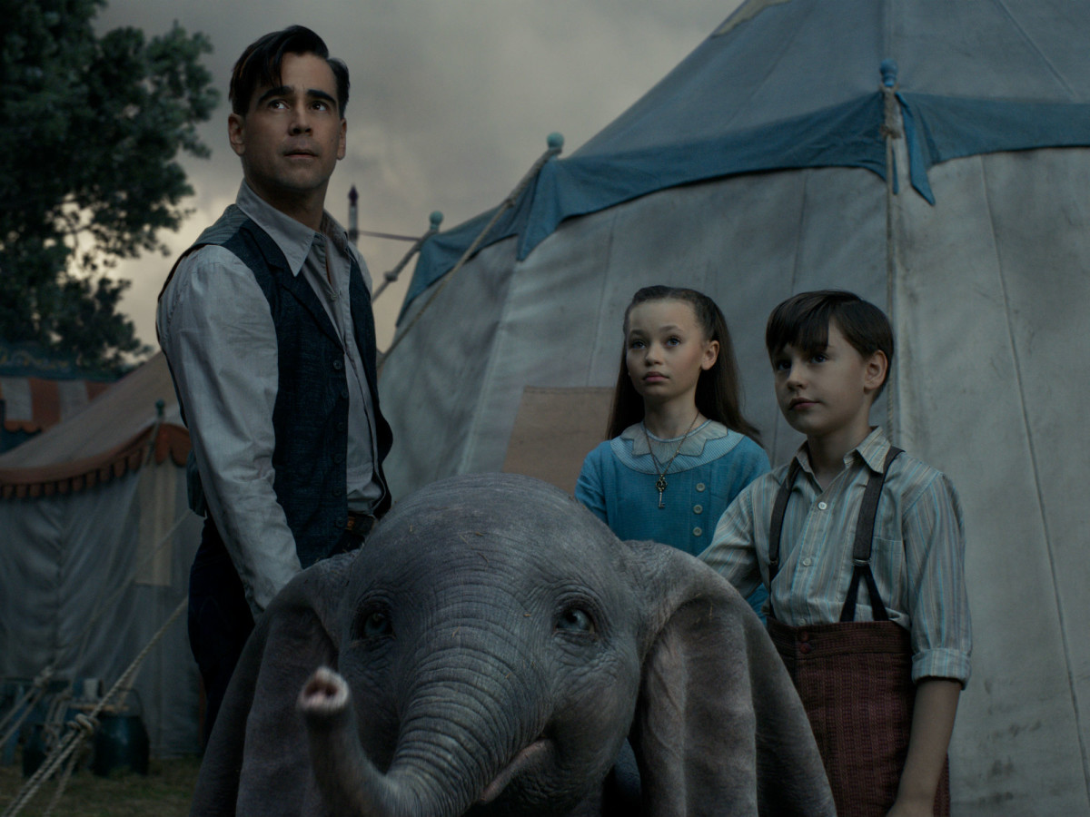 Colin Farrell, Dumbo, Nico Parker, and Finley Hobbins in Dumbo