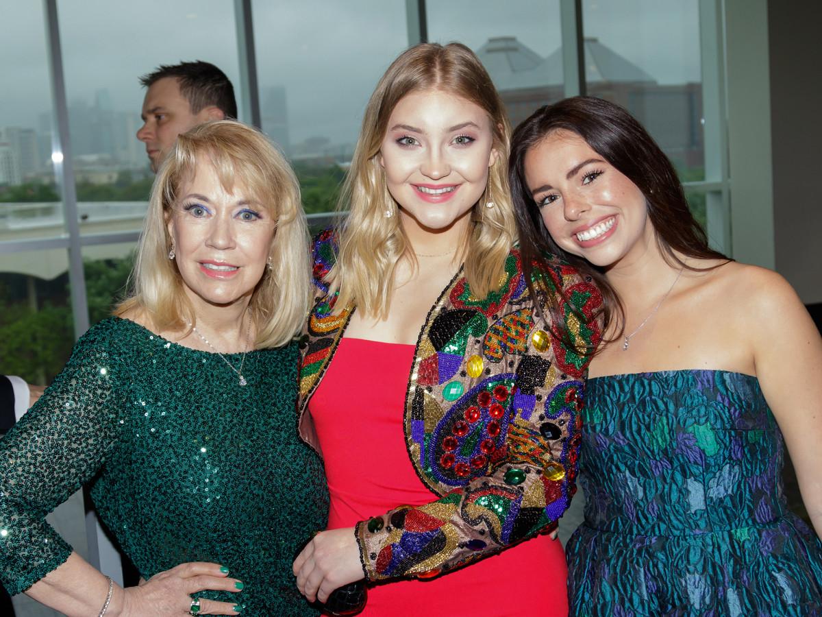 Elaine Head, Traci Cirotto, Lauren Longoria