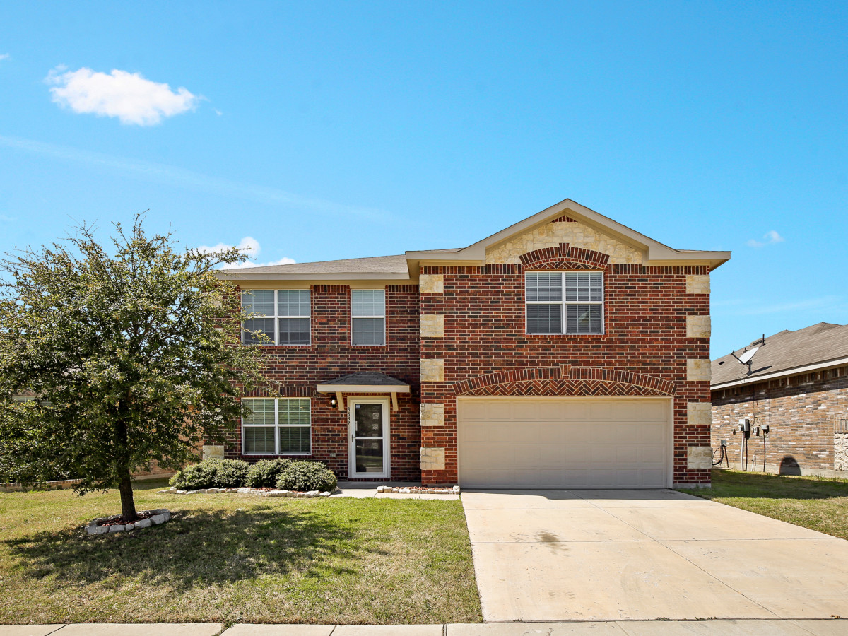 8637 Star Thistle Dr. Fort Worth, TX 76179