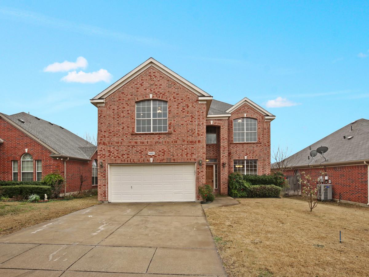 4921 Summer Oaks Ln. Fort Worth, TX 76123