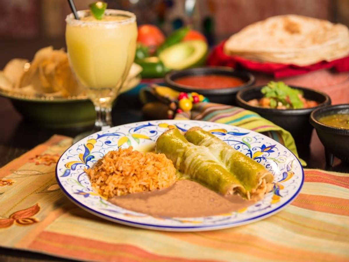 Henry's Puffy Tacos San Antonio enchiladas