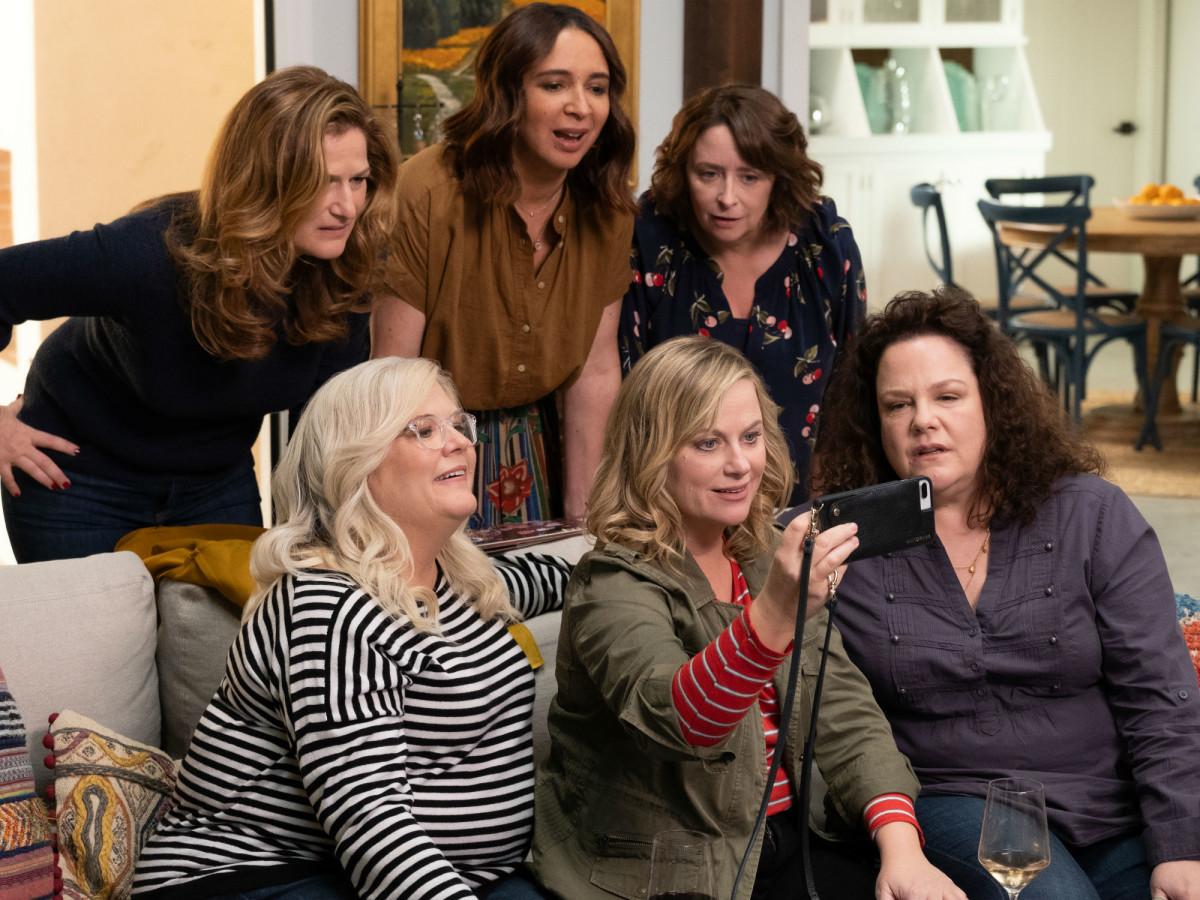Ana Gasteyer, Paula Pell, Maya Rudolph, Amy Poehler, Rachel Dratch, and Emily Spivey in Wine Country