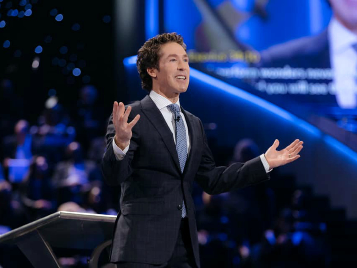 Joel Osteen Lakewood church horiz