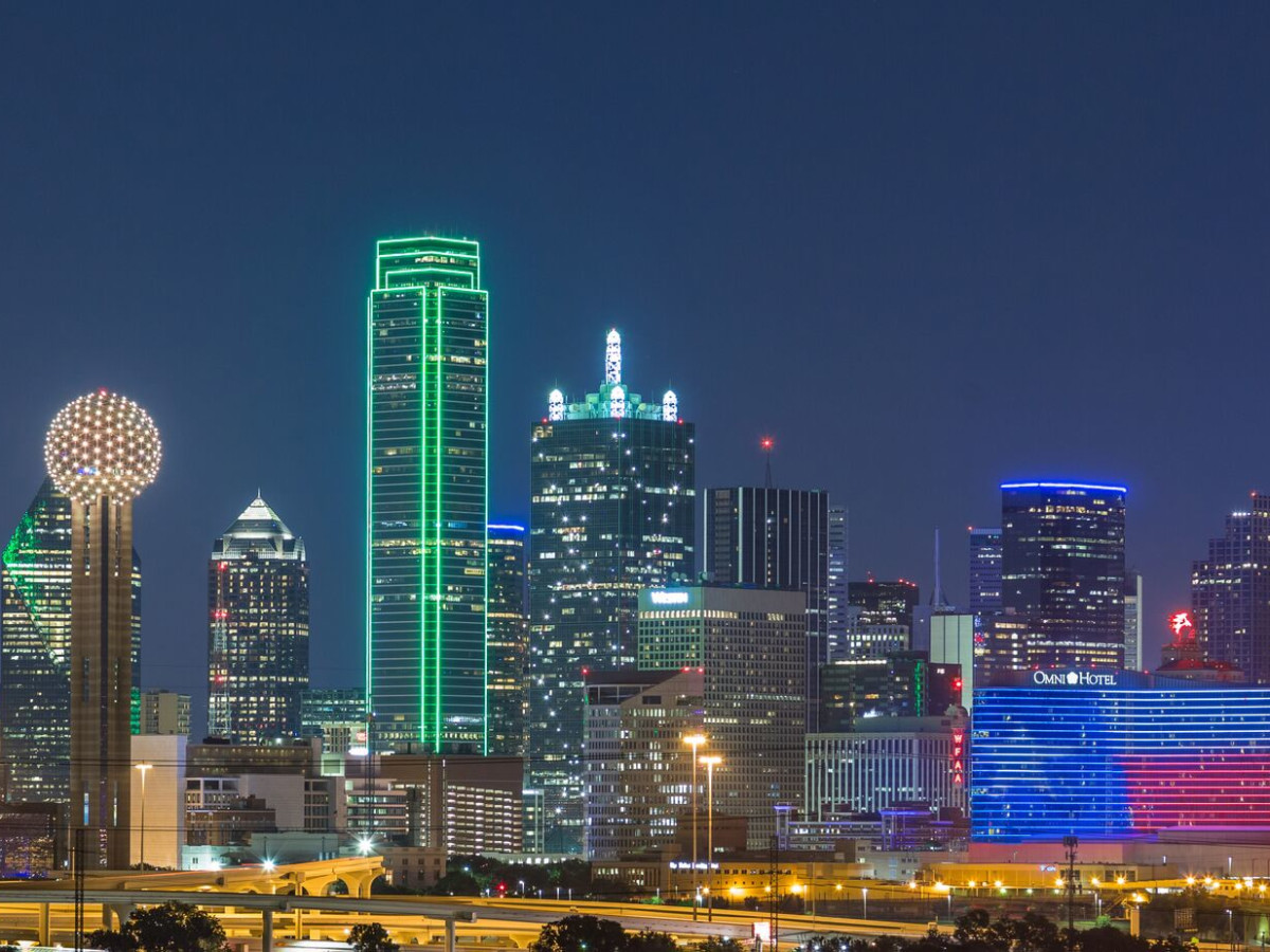 Omni Dallas, Dallas skyline
