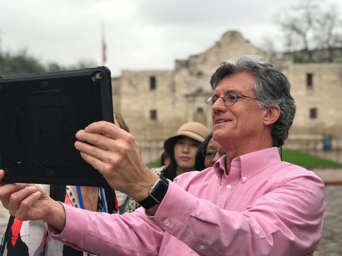 San Antonio company QuantumERA's Alamo Edition suite of apps and interactive products recently received an industry award.