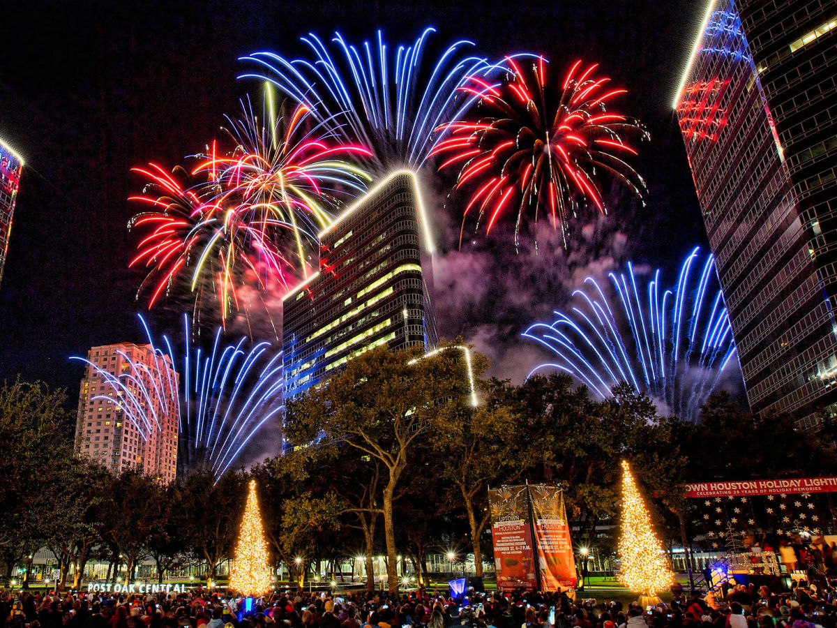 Uptown Houston Holiday Lighting