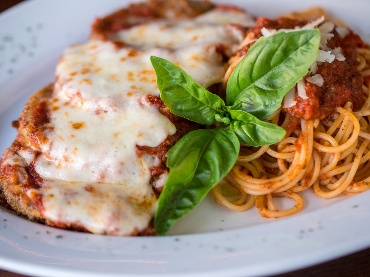 Bacaro Kitchen & Wine Bar chicken parmesan