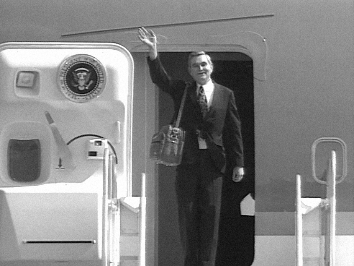Dave Ward boarding Air Force One in 1992