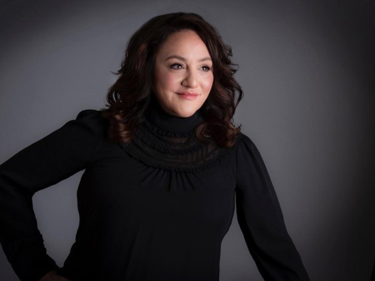 Gloria Bradfield, Lux Machine salon