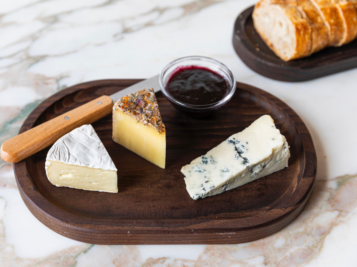 Montrose Cheese & Wine cheeses