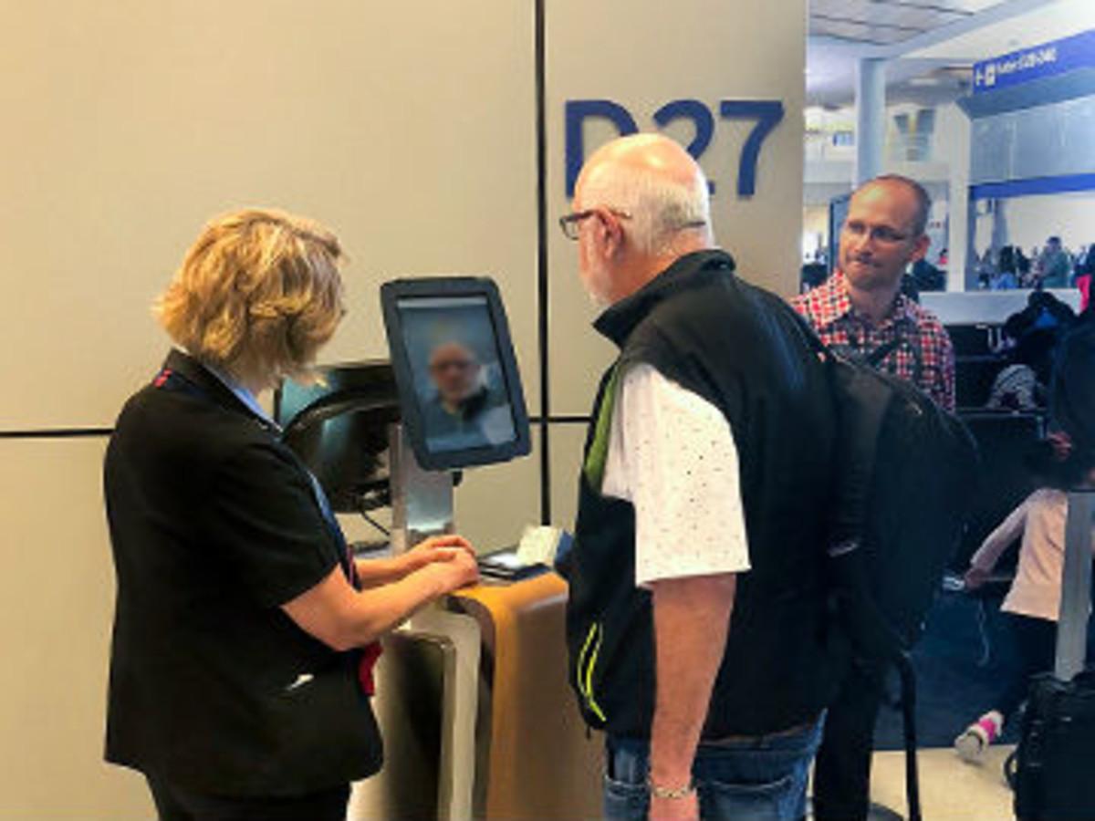 American Airlines biometric facial scanning