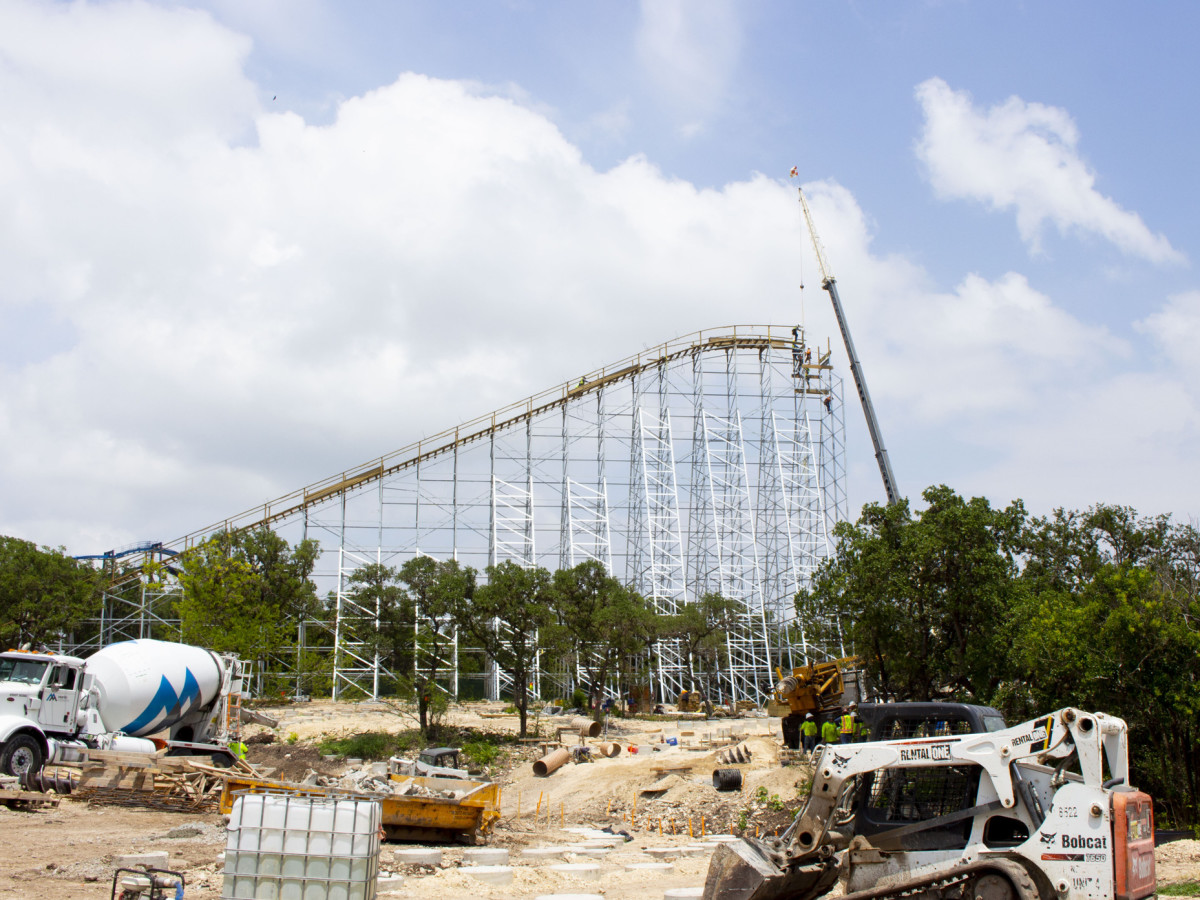 Texas Stingray under construction at SeaWorld San Antonio.