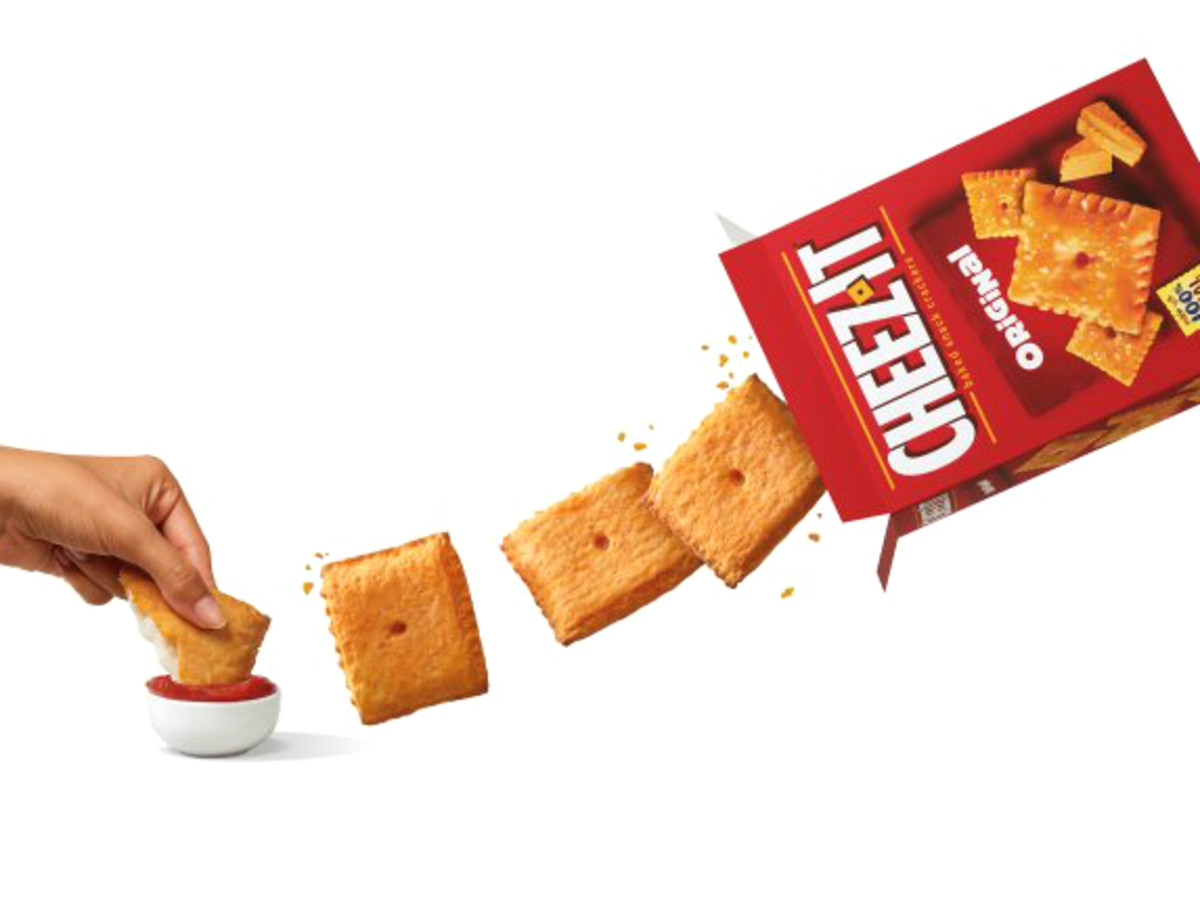 Drive-Thru Gourmet - Pizza hut Stuffed Cheez-It Pizza