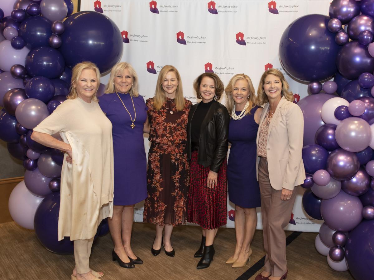 Melissa Reiff, Paige Flink, Laura Linney, Jill Soltau, Beth Garvey, Kimberly Lody