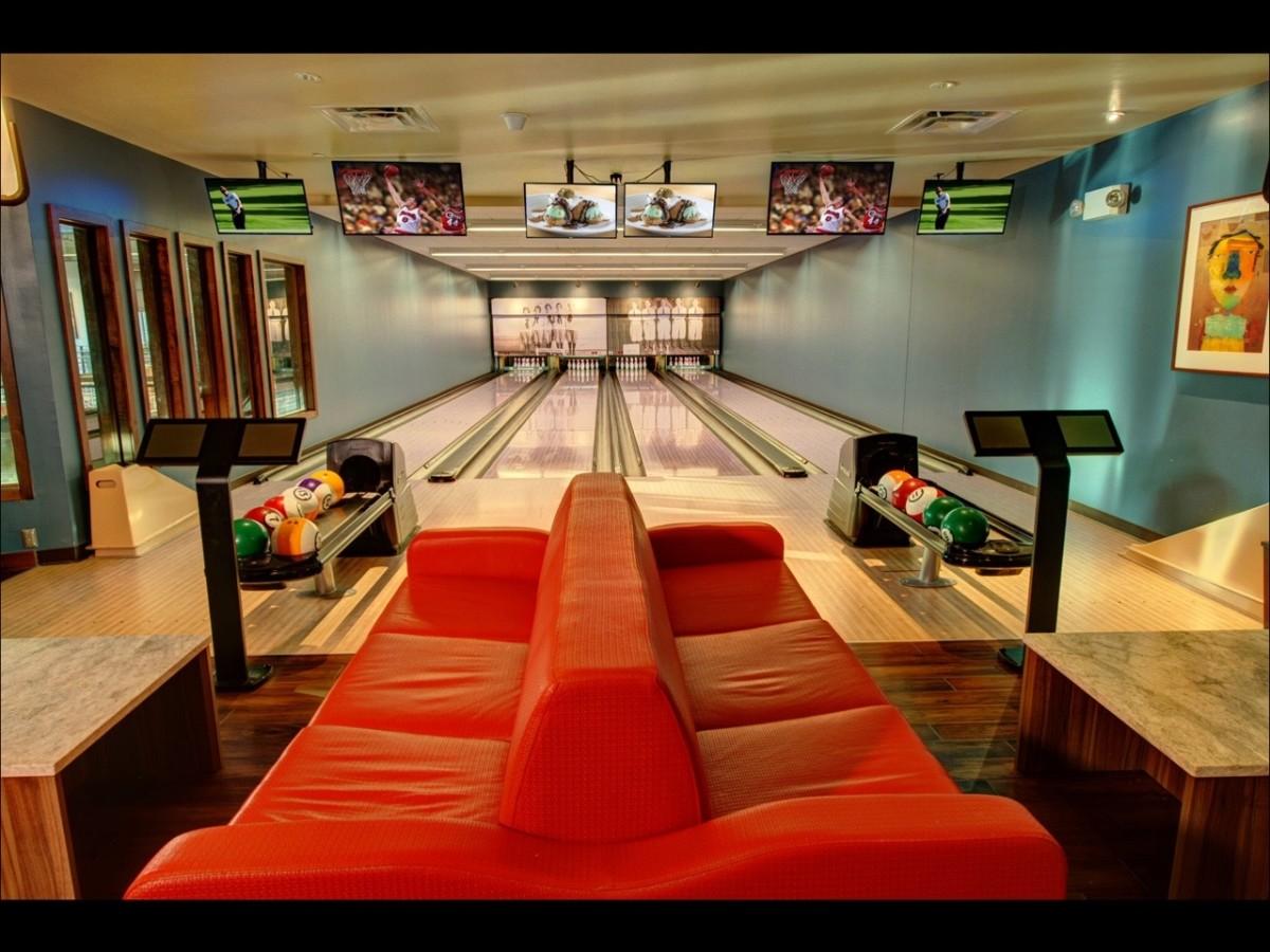 Pinstripes bowling lane