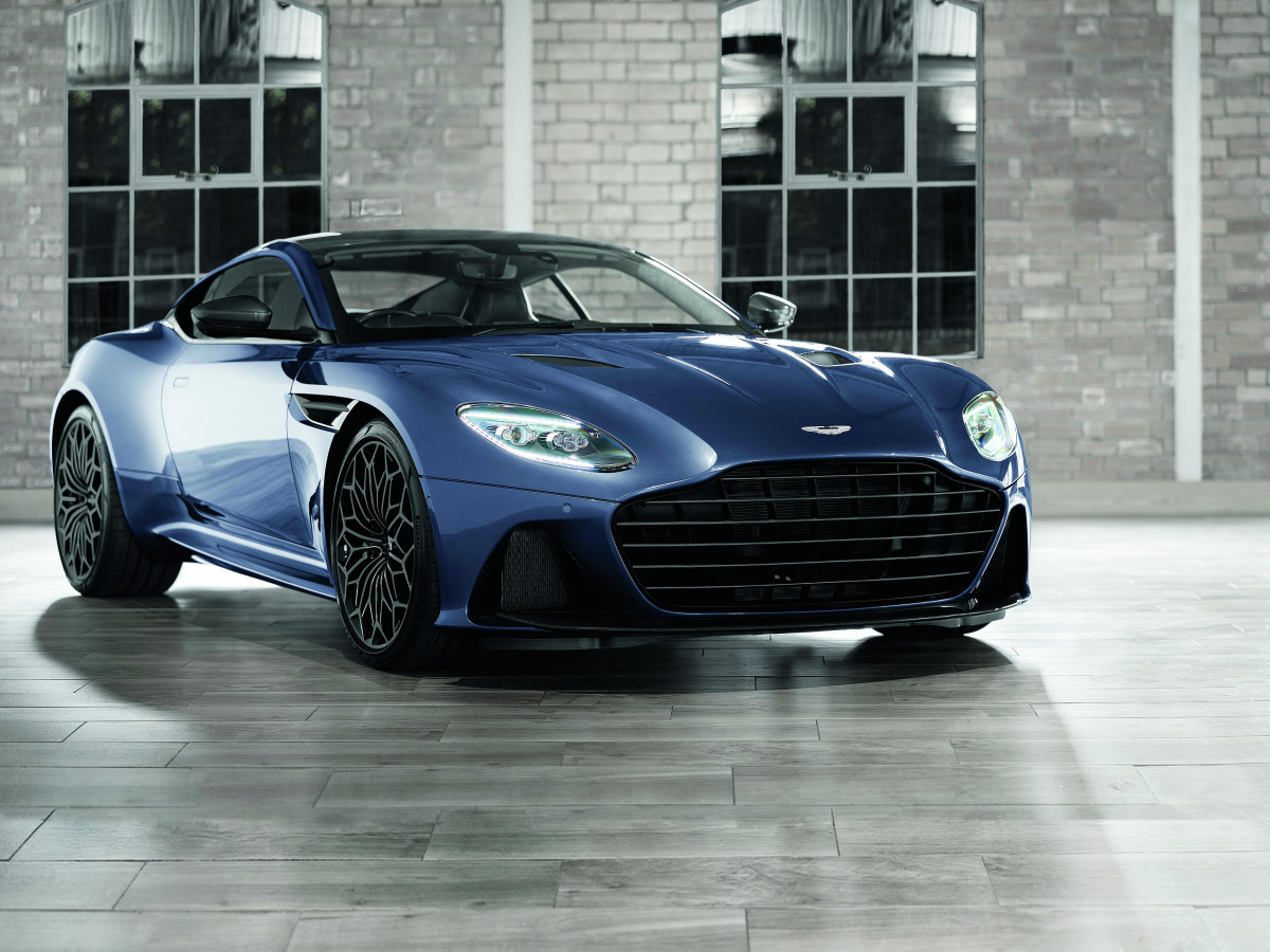 NM Fantasy Gifts Aston Martin