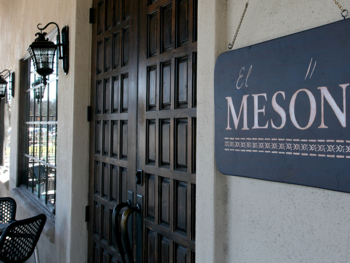 El Meson sign